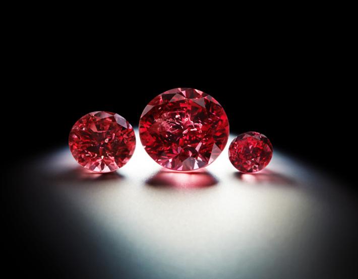 red diamonds Top 10 Most Precious Gemstones in the World Top 10 Most Precious Gemstones in the World red diamonds