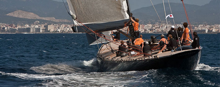 10_Top_gorgeous_sailing_yachts-F-Class