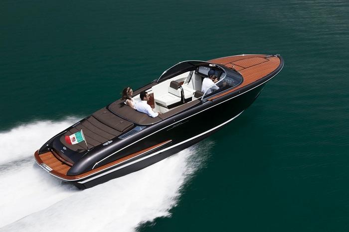 Meet Riva's luxury yachts luxury yachts Welcome to Riva's Luxury Yachts! iseo1