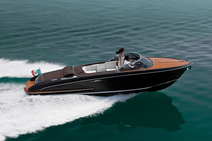 Discover Riva's luxury yachts luxury yachts Welcome to Riva's Luxury Yachts! iseo2