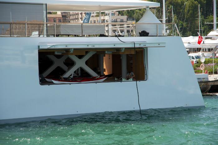 A peek into Steve Jobs luxury yacht  A peek into Steve Jobs luxury yacht  A peek into Steve Jobs luxury yacht  KnYWXLO