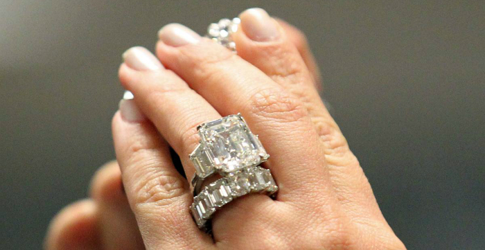 13a5fdfbe6f83 World's first all-diamond ring