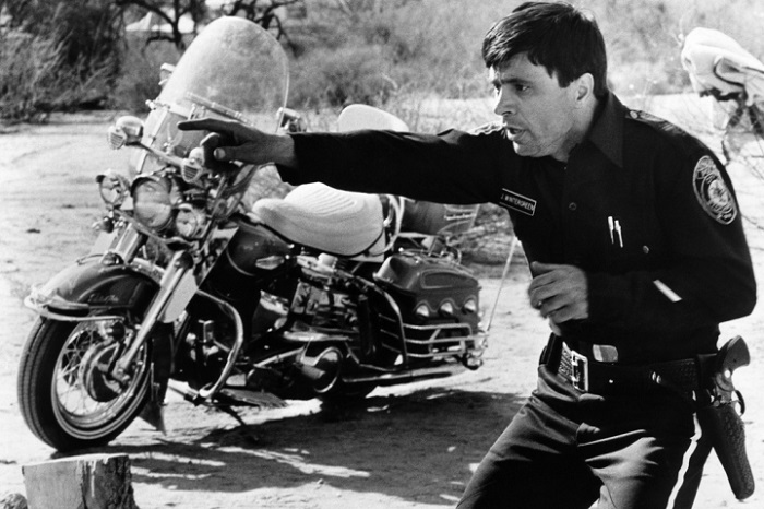 Top 10 Most Iconic Motorcycles in Movies_LuxurySafes Top 10 Most Iconic Motorcycles in Movies Top 10 Most Iconic Motorcycles in Movies 10 electra glide
