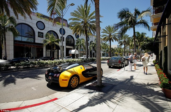 The world's most expensive shopping streets The world's most expensive shopping streets The world's most expensive shopping streets 2A46D76500000578 3144913 image a 114 1436365151560