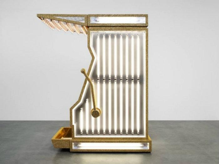 HEDI SLIMANE SLOT MACHINES FOR SAINT LAURENT yves saint laurent Yves Saint Laurent's Gold Slot Machines HEDI SLIMANE SLOT MACHINES FOR SAINT LAURENT