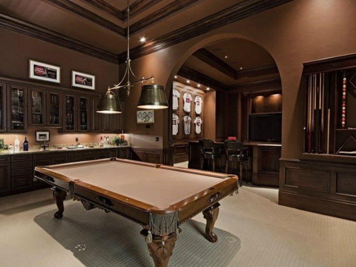 20 Playing Tables For A Luxury Gaming Room