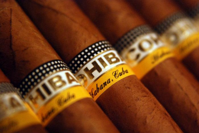 Cohiba Esplendido Luxury Cigars expensive cigars Top 10 World's Most Expensive Cigars Cohiba Esplendido Luxury Cigar