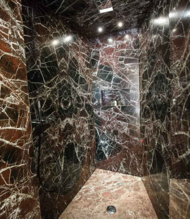 Private Suite Marble Shower fendi The Renovated Luxury Palazzo Fendi in Rome Private Suite Marble Shower 625x720