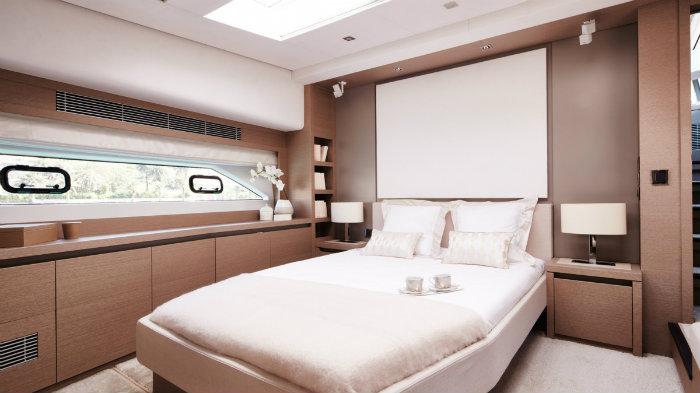 Master Bedroom Prestige 680 Superyacht Superyacht Have a Look Inside Prestige 680 Superyacht Master Bedroom Prestige 680 Superyacht