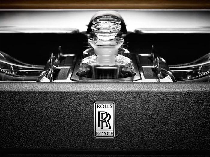 Chic Picnic Hamper from Rolls Royce4.jpg.rr.1160.MED Chic Picnic Hamper Chic Picnic Hamper from Rolls Royce Chic Picnic Hamper from Rolls Royce4