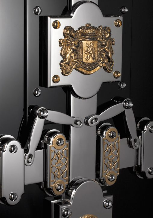 Dˆttling Completes Restoration on a Luxurious 19th Century Jewelry Safe luxury safe DÖTTLING'S LEGEND – 19TH CENTURY RESTORED LUXURY SAFE D  TTLING   S LEGEND     19TH CENTURY RESTORED LUXURY SAFE2 508x720