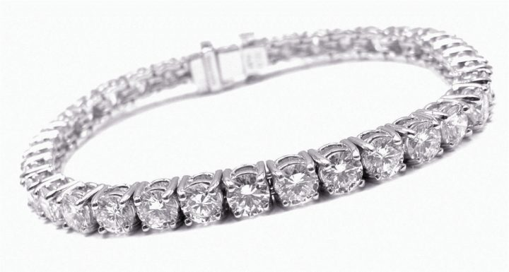 the-10-most-luxurious-jewelry-brands-of-all-times9 Jewelry brands The 10 Most Luxurious Jewelry Brands Of All Times The 10 Most Luxurious Jewelry Brands Of All Times9 720x385