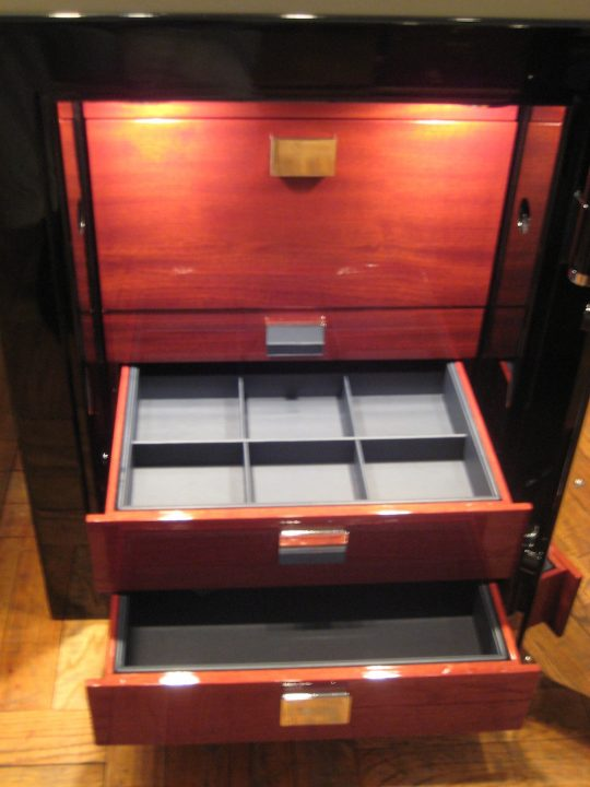 the-luxury-safes-from-traum Luxury Safes The Luxury Safes from Traum The Luxury Safes from Traum 540x720