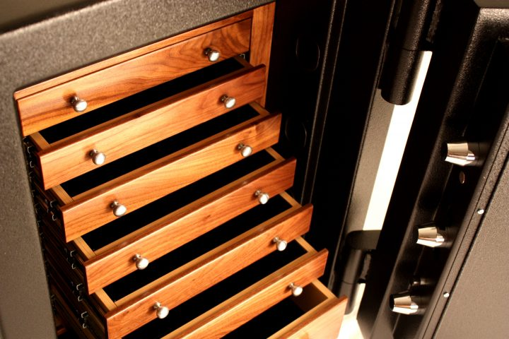 the-luxury-safes-from-traum1 Luxury Safes The Luxury Safes from Traum The Luxury Safes from Traum1 720x480