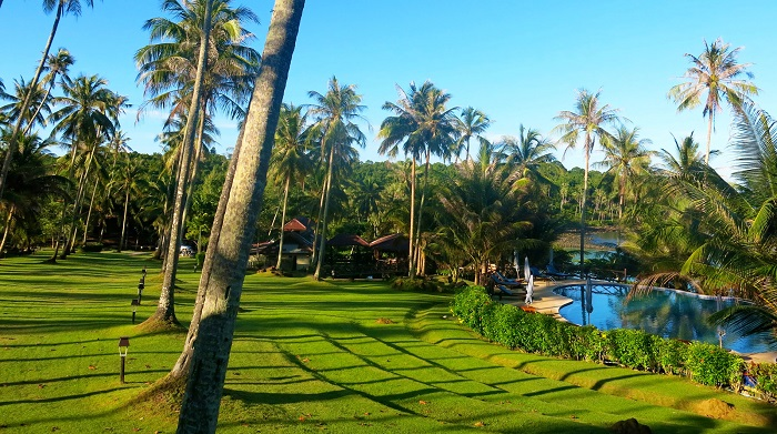 the ultimate guide The Ultimate Guide Of Luxury Beaches and Islands koh kood beach resort grounds