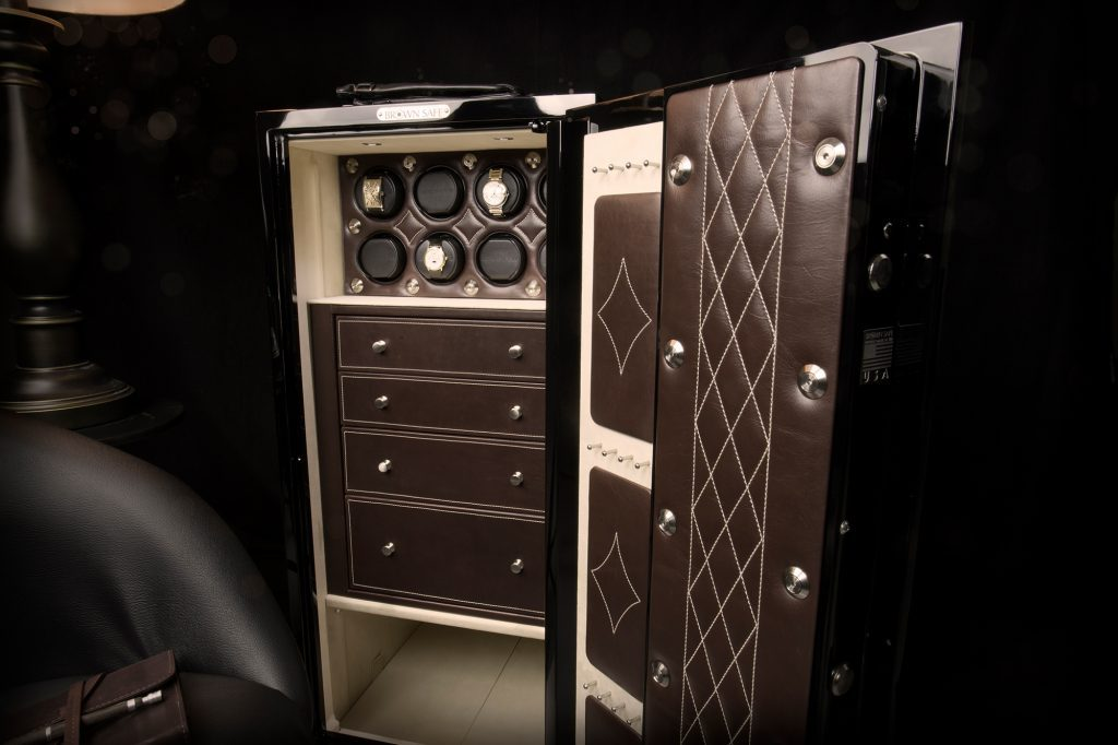 Brown Safes: The Perfect Blend Brown Safes Brown Safes: The Perfect Blend Man Safe 4018 Signature Package leather luxury watch winder