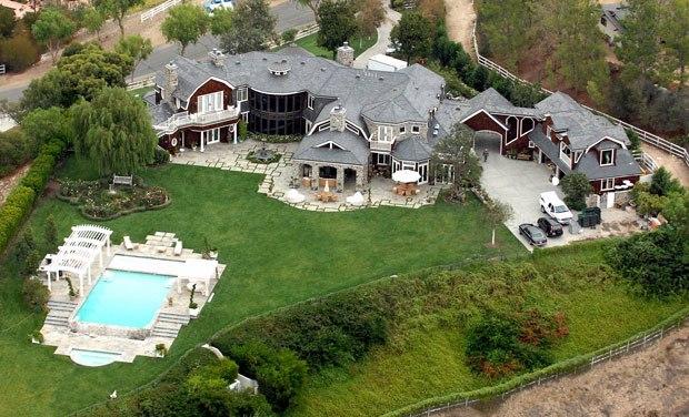 Sneak Peek: Celebrity Luxury Homes luxury homes Sneak Peek: Celebrity Luxury Homes 1 5