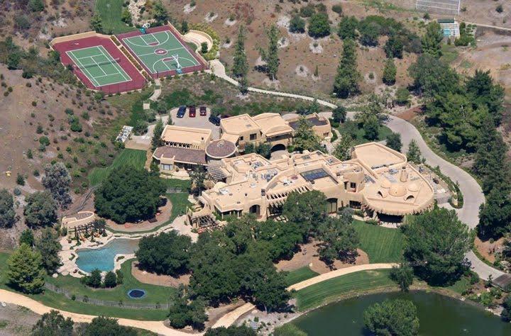 Sneak Peek: Celebrity Luxury Homes luxury homes Sneak Peek: Celebrity Luxury Homes 2 5