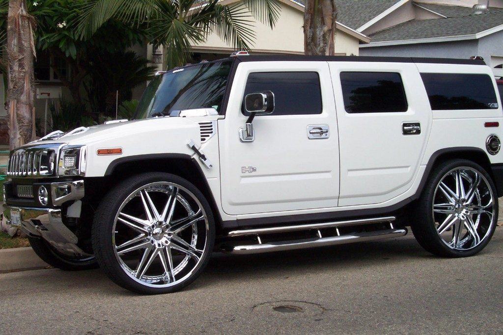 Luxury Cars luxury cars Top Luxury Cars Women Are Most Attracted To Hummer H2 Luxury 2010 1024x683