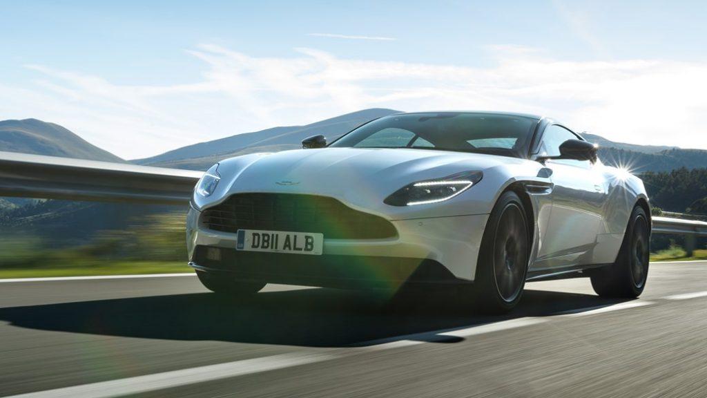 Aston Martin Unveils the New Aston Martin DB 11 V8 aston martin db 11 Aston Martin Unveils the New Aston Martin DB 11 V8 aston db11 v8 01 1024x576