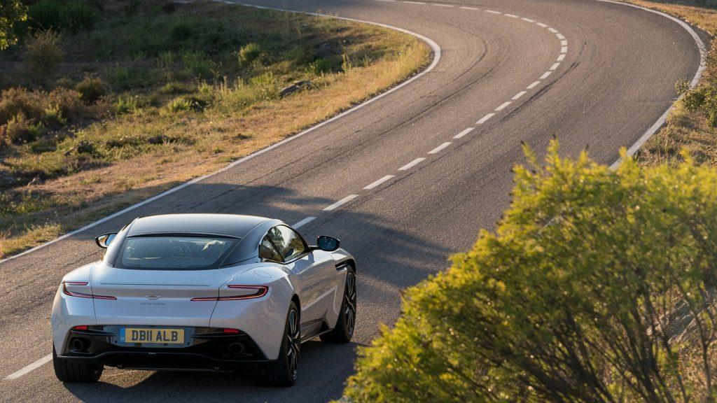 Aston Martin Unveils the New Aston Martin DB 11 V8 aston martin db 11 Aston Martin Unveils the New Aston Martin DB 11 V8 aston db11 v8 10 1024x576