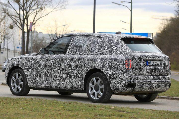 rolls royce Sneak Peak: Rolls Royce Cullinan Rolls Royce Cullinan 009
