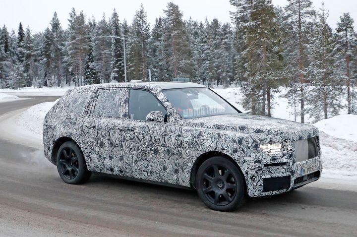rolls royce Sneak Peak: Rolls Royce Cullinan Rolls Royce Cullinan prototype 02