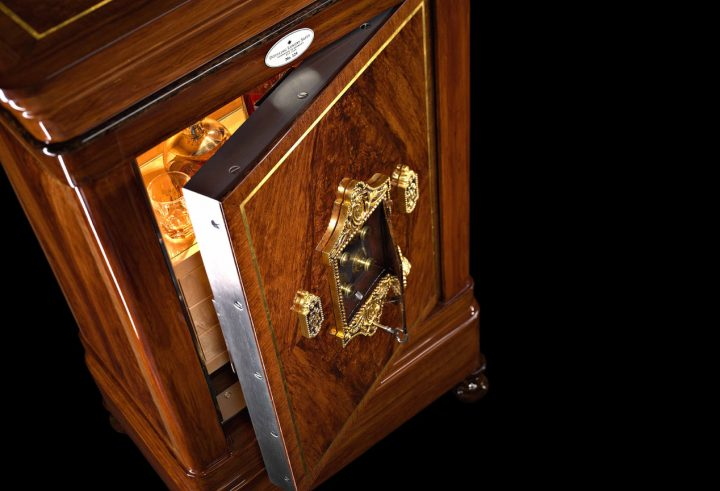 Humidor Discover The Perfect Humidor For Your Cigars 13  0040 Legends 124 04