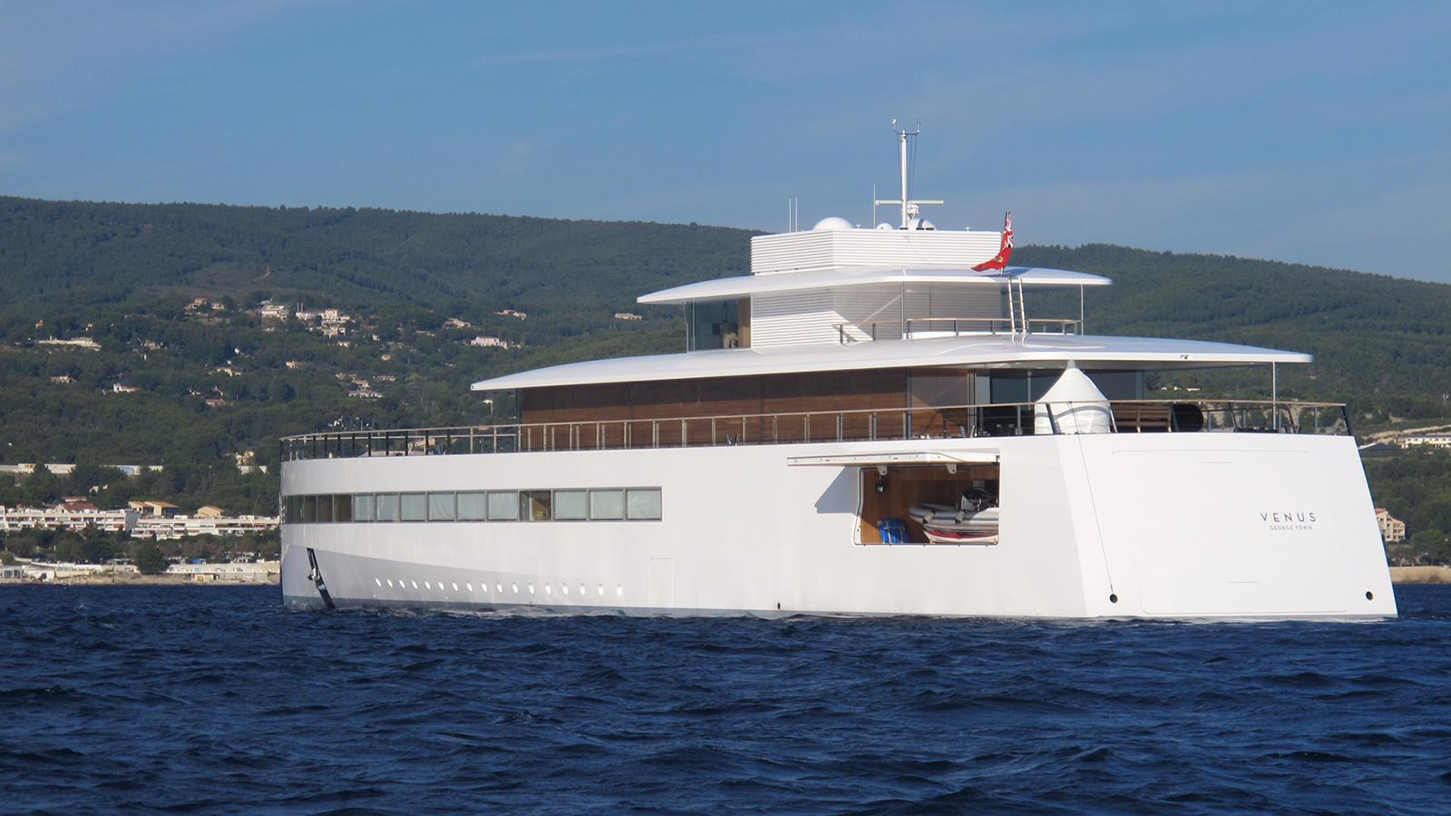 steve jobs Inside Steve Jobs' Luxury Yacht 46k6SMYXRuSTnryMez2h venus yacht tender garage