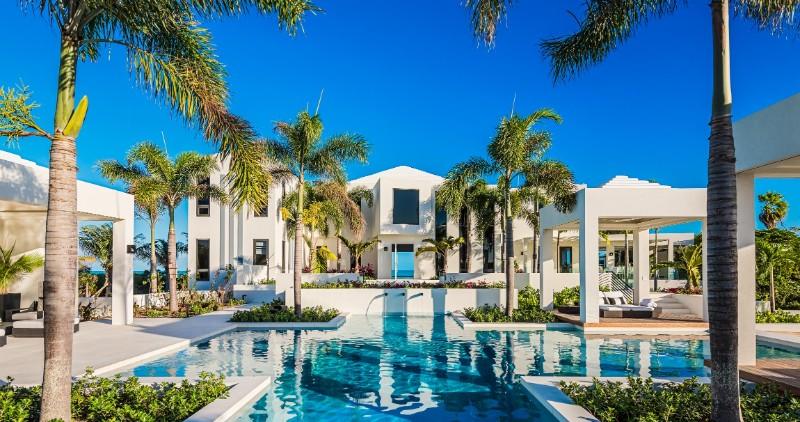 Discover Triton Luxury Villa: A Caribbean-Chic Paradise luxury villa Discover Triton Luxury Villa: A Caribbean-Chic Paradise Discover Triton Luxury Villa A Caribbean Chic Paradise 3