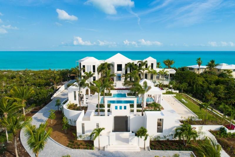 luxury villa Discover Triton Luxury Villa: A Caribbean-Chic Paradise Discover Triton Luxury Villa A Caribbean Chic Paradise 4 1