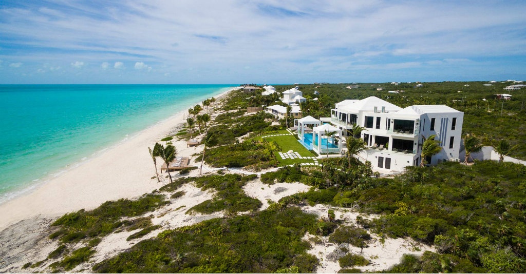 Discover Triton Luxury Villa: A Caribbean-Chic Paradise