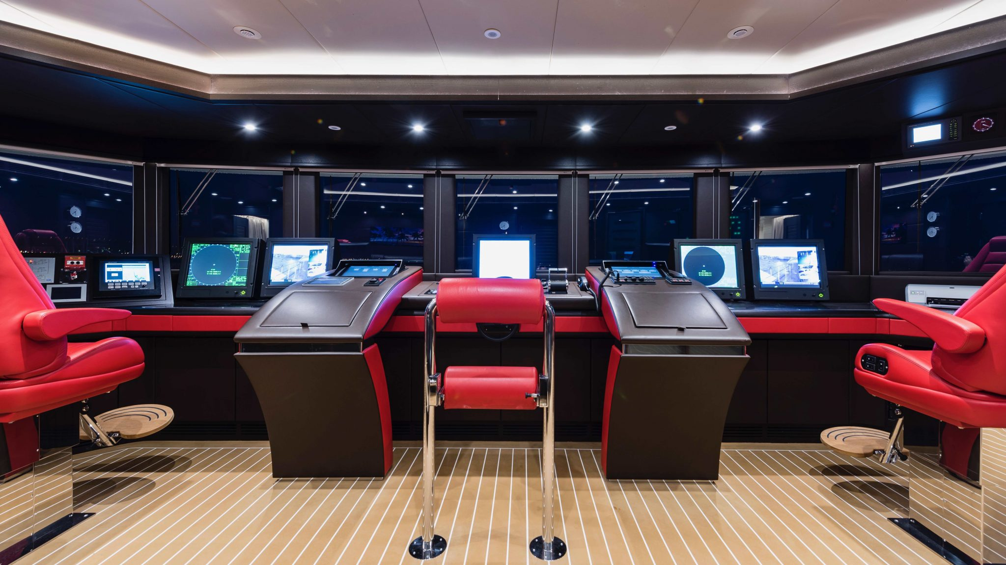 5 Stunning Superyachts Wheelhouses superyachts 5 Stunning Superyachts Wheelhouses ISA Forever One1