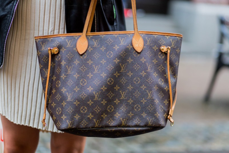 Louis Vuitton Or Hermès: Which Is The More Authentic Luxury Brand? luxury brand Louis Vuitton Or Hermès: Which Is The More Authentic Luxury Brand? 4 Louis Vuitton Or Herme  s Which Is The More Authentic Luxury Brand