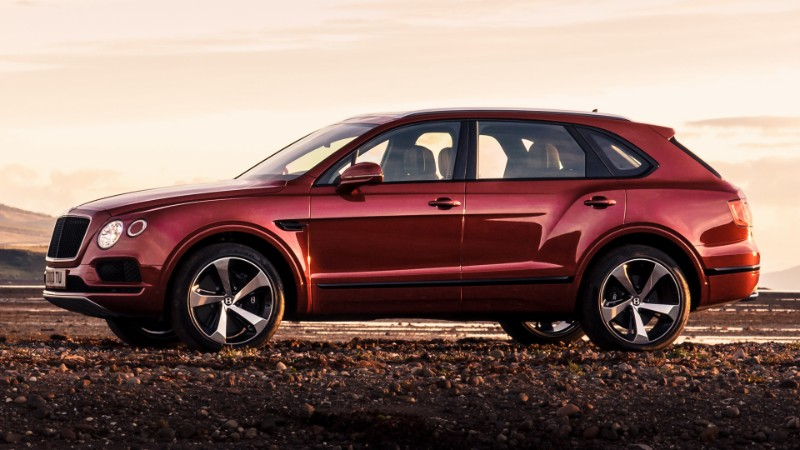 Bentley Bentayga V8 – The Modern Car of December modern car Bentley Bentayga V8 – The Modern Car of December Bentley Bentayga V8     The Modern Car of December 4