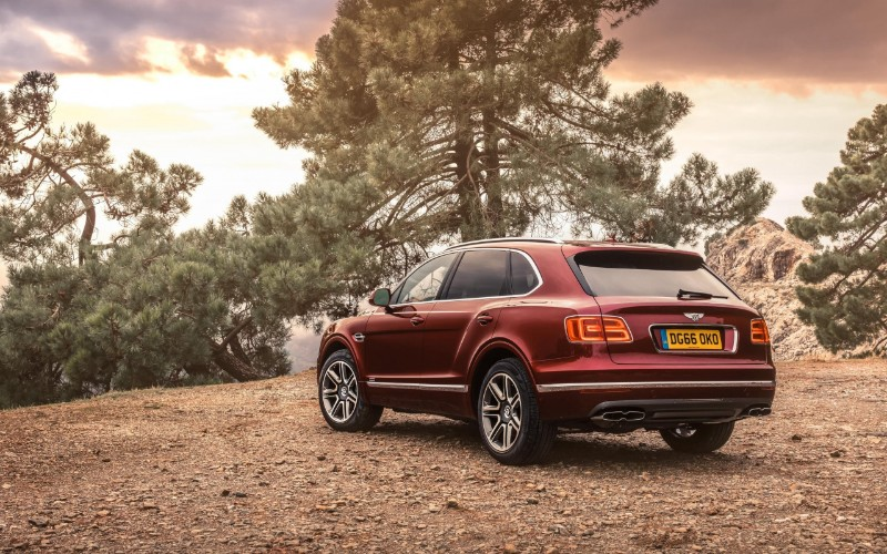 Bentley Bentayga V8 – The Modern Car of December modern car Bentley Bentayga V8 – The Modern Car of December Bentley Bentayga V8     The Modern Car of December 5
