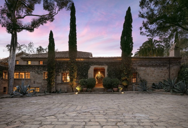 Real Estate - Get Inspired by These Amazing Celebrities' Homes celebrities' homes Real Estate – Get Inspired by These Amazing Celebrities' Homes Real Estate Get Inspired by These Amazing Celebrities Homes 10