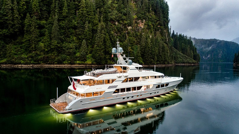 luxury yachts The Top 5 Luxury Yachts to Travel in the Southeast Asia The Top 5 Luxury Yachts to Travel in the Southeast Asia 6