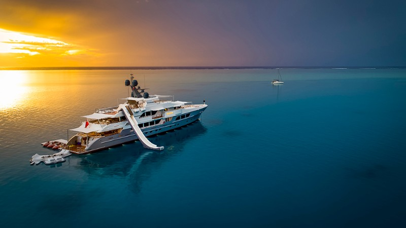 luxury yachts The Top 5 Luxury Yachts to Travel in the Southeast Asia The Top 5 Luxury Yachts to Travel in the Southeast Asia 7