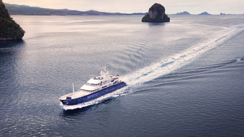 luxury yachts The Top 5 Luxury Yachts to Travel in the Southeast Asia The Top 5 Luxury Yachts to Travel in the Southeast Asia 8 1