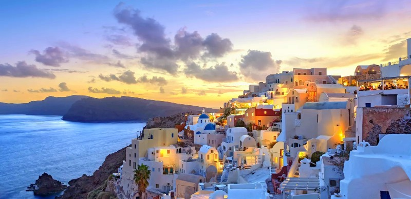 Discover 10 Luxury Destinations To Travel This Spring luxury destinations Discover 10 Luxury Destinations To Travel This Spring 1515132805 Santorini sunset at dawn Greece Sothebys International Realty