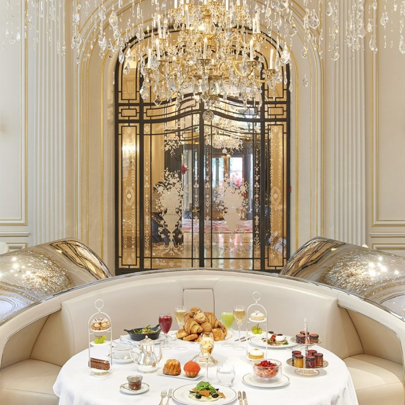 finest restaurants Get Amazed by These 5 World's Finest Restaurants paris plaza athenee restaurant breakfast square 904x904
