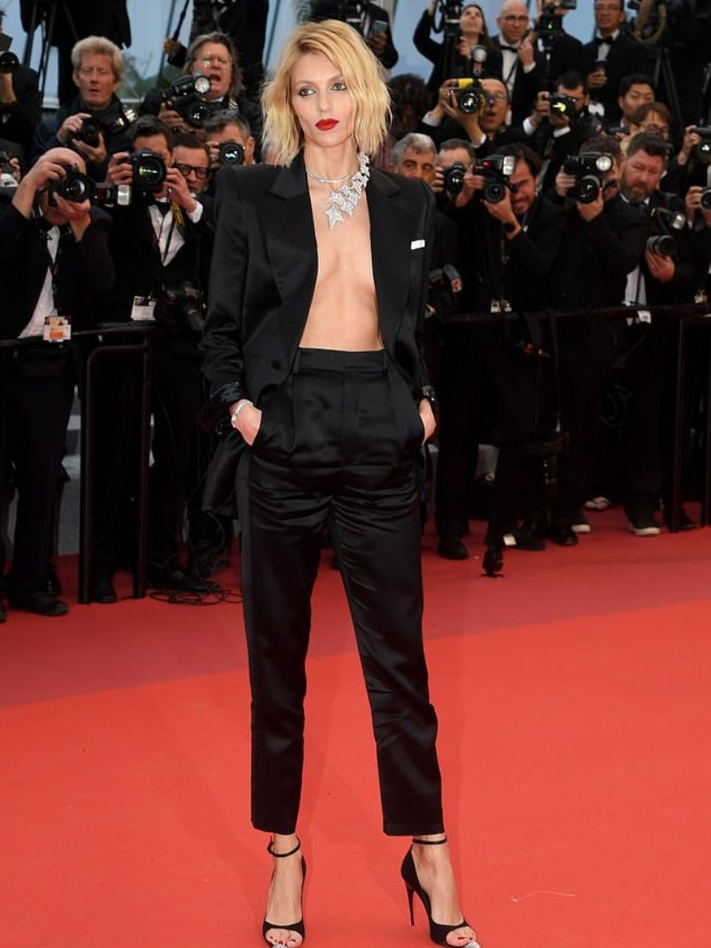 Cannes Film Festival 2019: The Most Unique Jewerly Pieces That Amazed cannes film festival 2019 Cannes Film Festival 2019: The Most Unique Jewerly Pieces That Amazed 13630314 7042211 Dare to bare Anja Rubik 35 left nothing to the imagination with  m 2 1558118478574 1