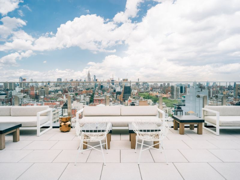 New York Meets The Sky: Top 5 Rooftop Hotel Bars rooftop hotel bar New York Meets The Sky: Top 5 Rooftop Hotel Bars New York Meets The Sky Top 5 Rooftop Hotel Bars 01 2