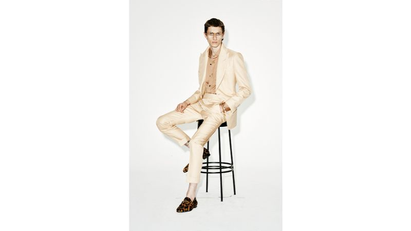 modern suits Men's Fashion: Discover Colorful and Modern Suits by Luxury Brands tom ford