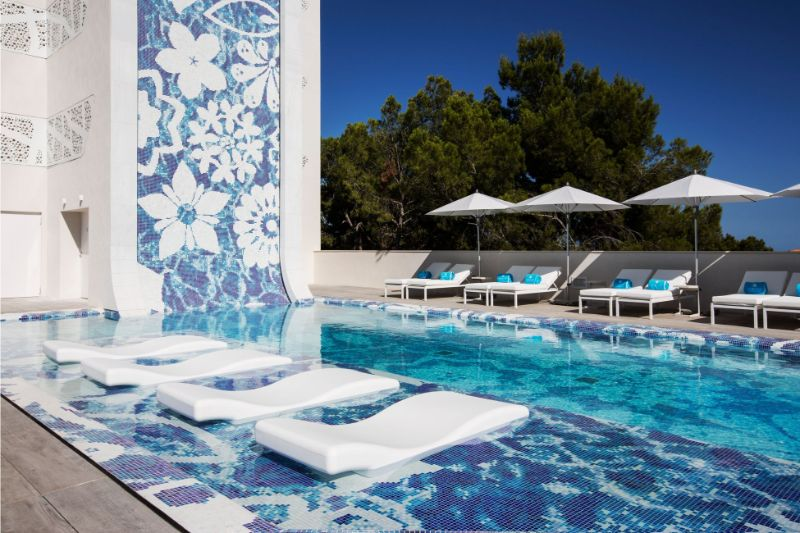 Innovative Design: Get Amazed by This Luxury Hotel by Marcel Wanders luxury hotel Innovative Design: Get Amazed by This Luxury Hotel by Marcel Wanders 11
