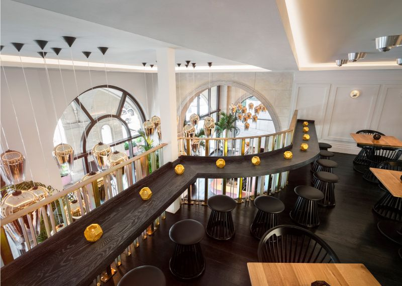 Sophistication and Luxury: Meet The Bronte Restaurant by Tom Dixon tom dixon Sophistication and Luxury: Meet The Bronte Restaurant by Tom Dixon Bronte Restaurant Bar Where to Eat in London with the Best Lighting 7