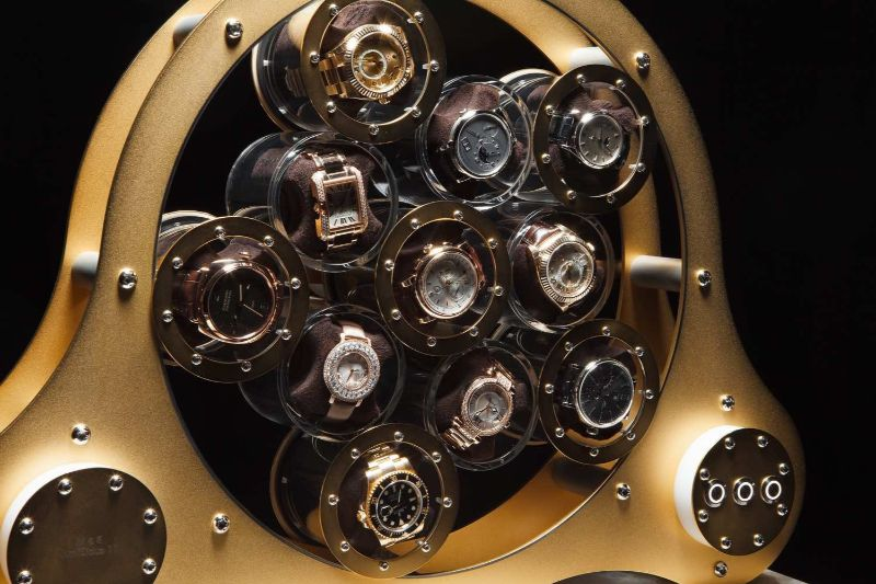 Modern Design Trends: The Perfect Watch Winders For A Luxury Lifestyle watch winders Modern Design Trends: The Perfect Watch Winders For A Luxury Lifestyle Lumisidus 11 24 carat gold Watch Winder front web 3