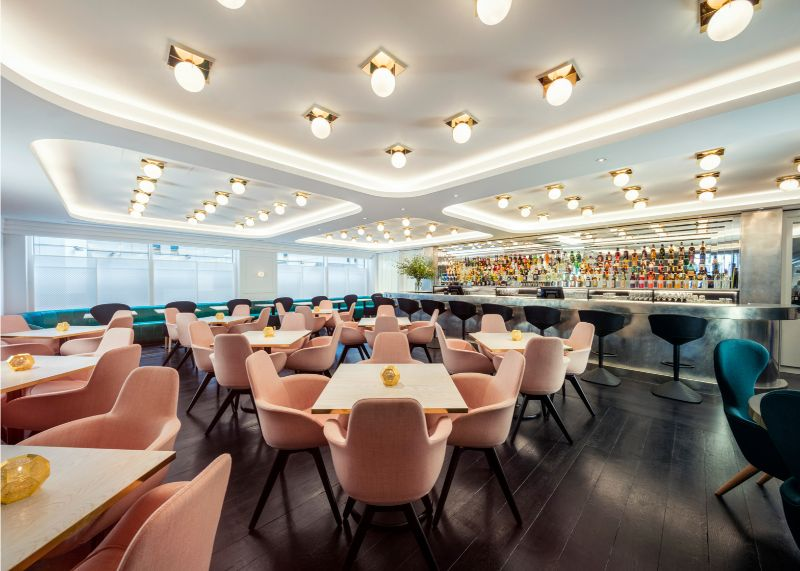 Sophistication and Luxury: Meet The Bronte Restaurant by Tom Dixon tom dixon Sophistication and Luxury: Meet The Bronte Restaurant by Tom Dixon bronte restaurant tom dixon interior strand london trafalgar square design research studio bar lighting product furniture 1