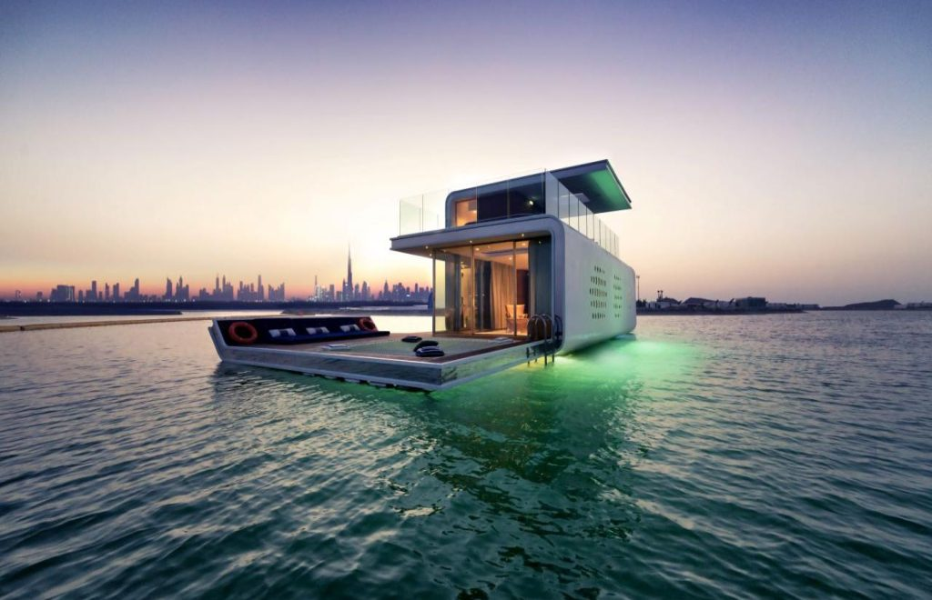 The 5 Most Supreme and Luxury Houseboats Around The Globe